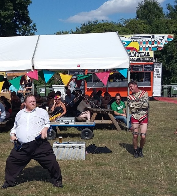 FolkFest_circus1